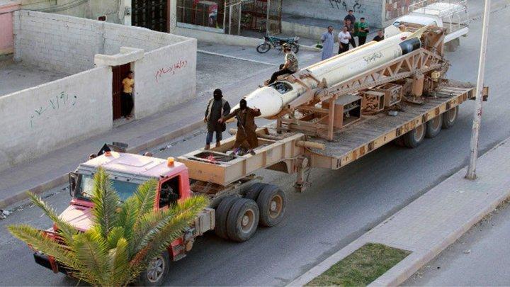 """صورة أسلحة أميركية وسعودية وصلت لـ""""الدولة"""""""