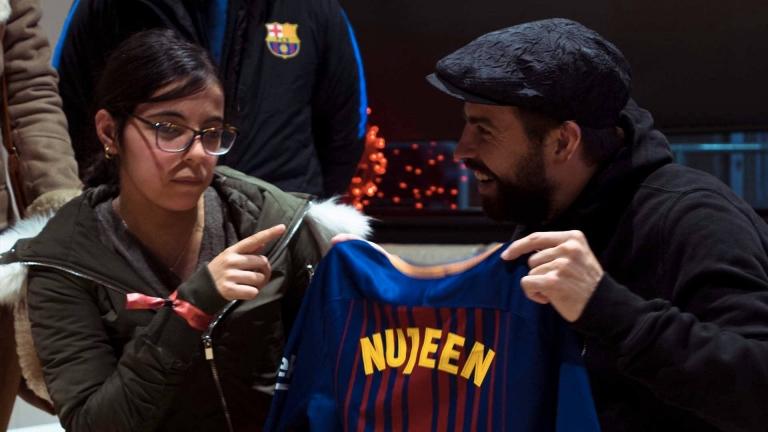 صورة برشلونة الإسباني يحقق حلم لاجئة سورية
