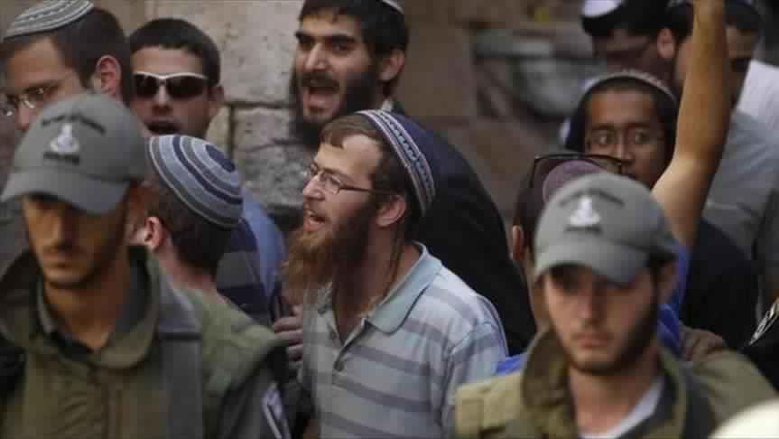 صورة عشرات المستوطنون يقتحمون المسجد الأقصى
