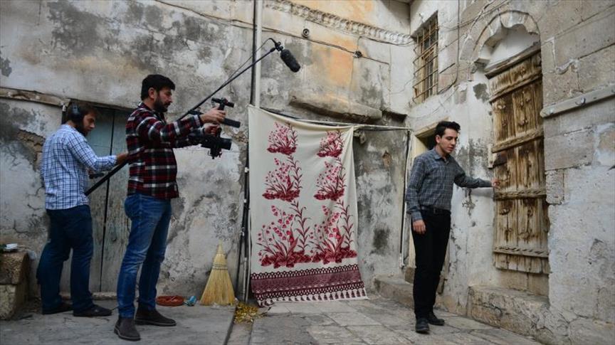 """صورة في """"شانلي أورفة"""" التركية.. تصوير الأفلام بنكهة """"حلبية"""""""