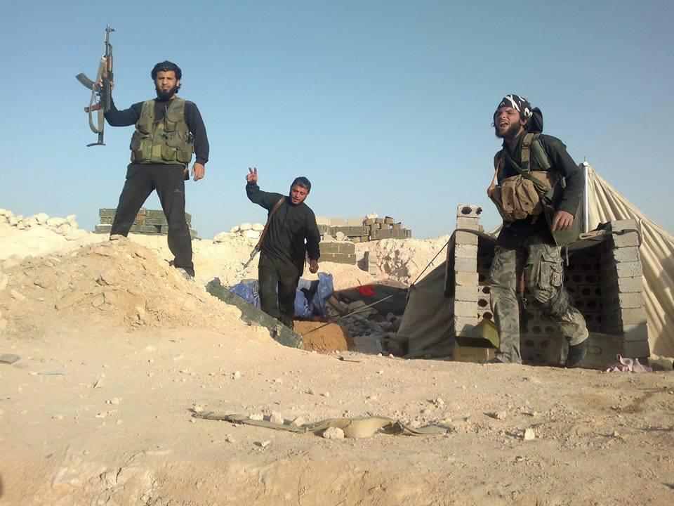 """صورة دير الزور..عناصر لتنظيم """"الدولة"""" يفجّرون أنفسهم"""