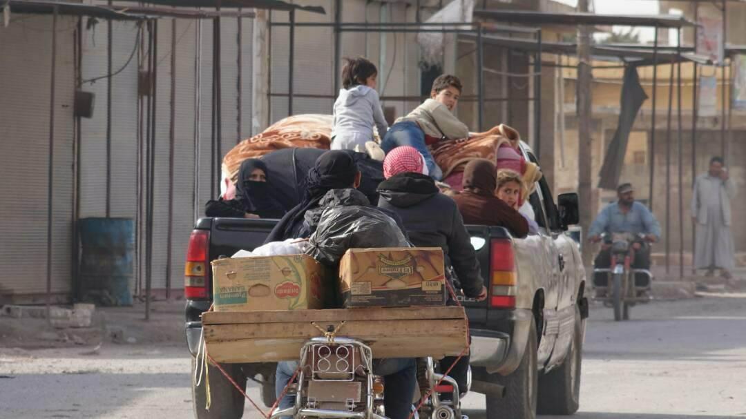 صورة معارك إدلب وحماة تجبر 280 ألفا على النزوح