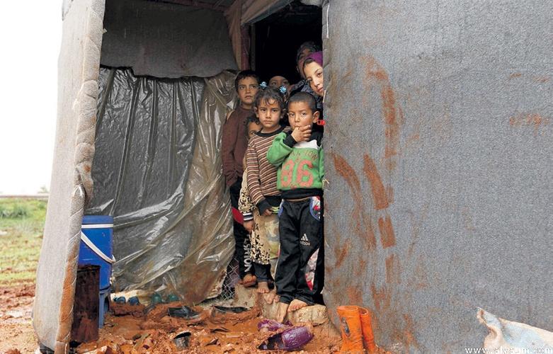 صورة تهجير 212 ألف سوري من إدلب وريفها