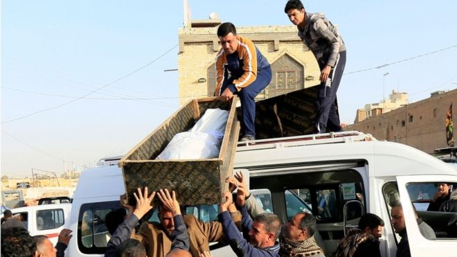 صورة مئة قتيل في هجوم مزدوج وسط بغداد