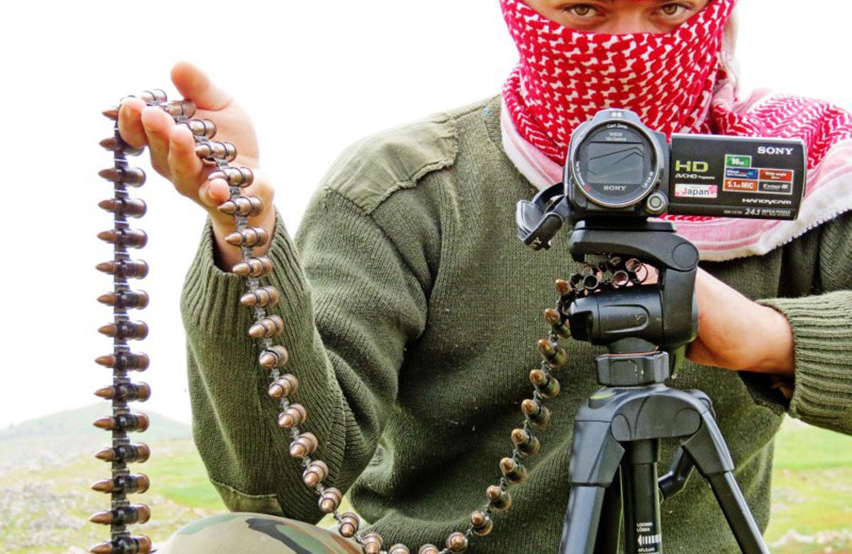 صورة كيف تُذكي الصحافة نار الصراع في سوريا؟