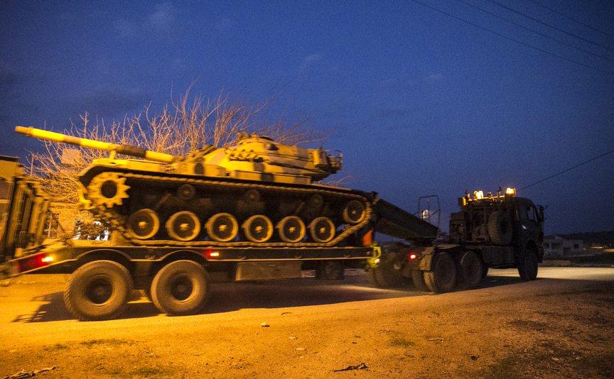 صورة تعزيزات تركية إضافية تصل الحدود السورية