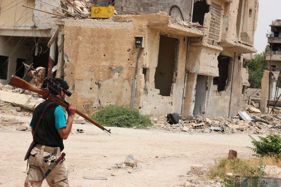 صورة حرستا..المعارضة تأسر عددا من عناصر الأسد