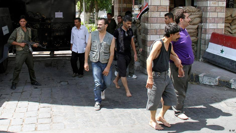 صورة اعتقال قرابة 500 سوري خلال شهر