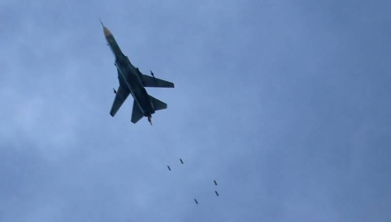 """صورة سماء الغوطة تمطر قنابل.. ومباحثات عن """"هدنة"""""""