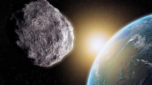 صورة كويكب جديد يمر قرب الأرض