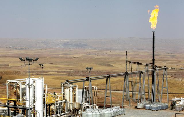 """صورة دير الزور..تنظيم """"الدولة"""" يهاجم حقل نفط خاضع لـ""""قسد"""""""