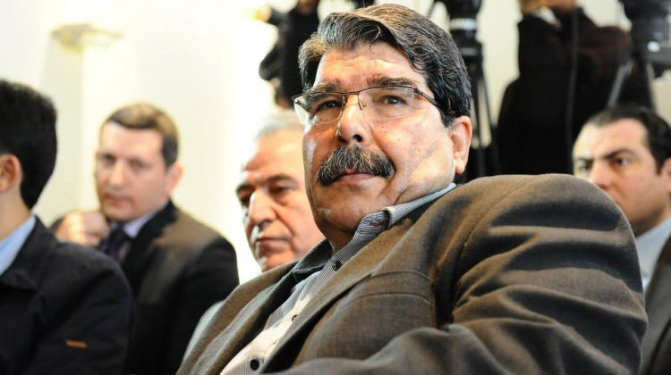 صورة اعتقال قيادي كردي سوري بارز مطلوب لتركيا