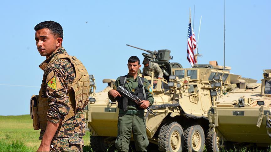 """صورة قوات أمريكية تنتشر داخل معمل غاز """"كونوكو"""" بدير الزور"""
