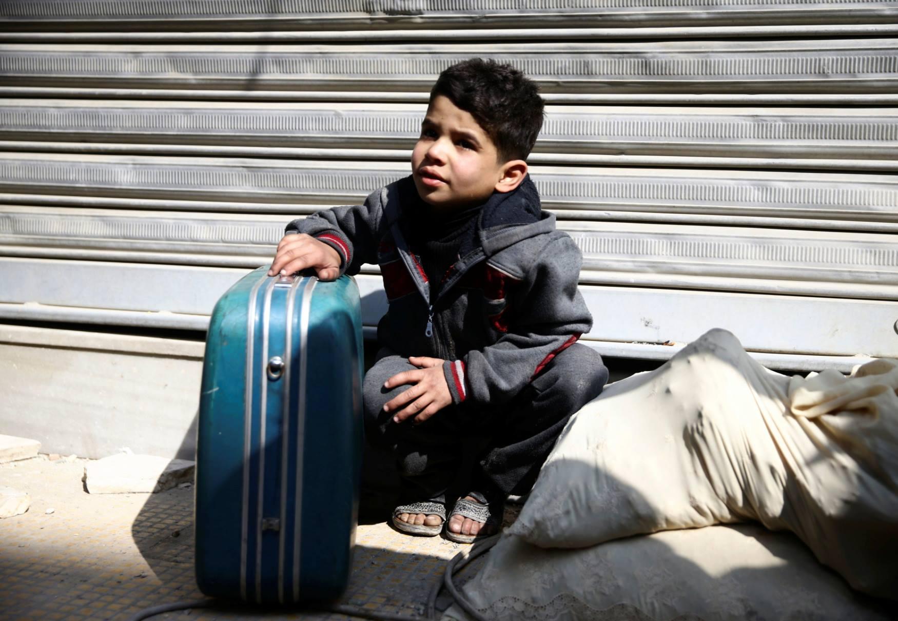 صورة النظام يمنع خروج مهجري الغوطة خارج دمشق