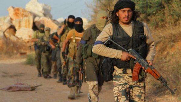 """صورة جيش الإسلام يُخرج أول دفعة من """"تحرير الشام"""""""