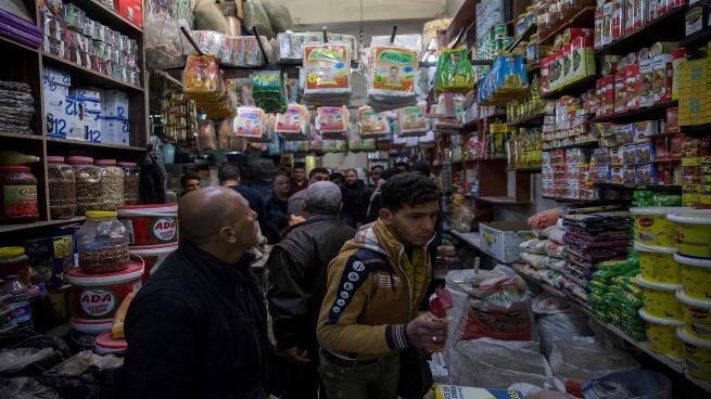 صورة تصاريح العمل في تركيا..ربعها تذهب للسوريين