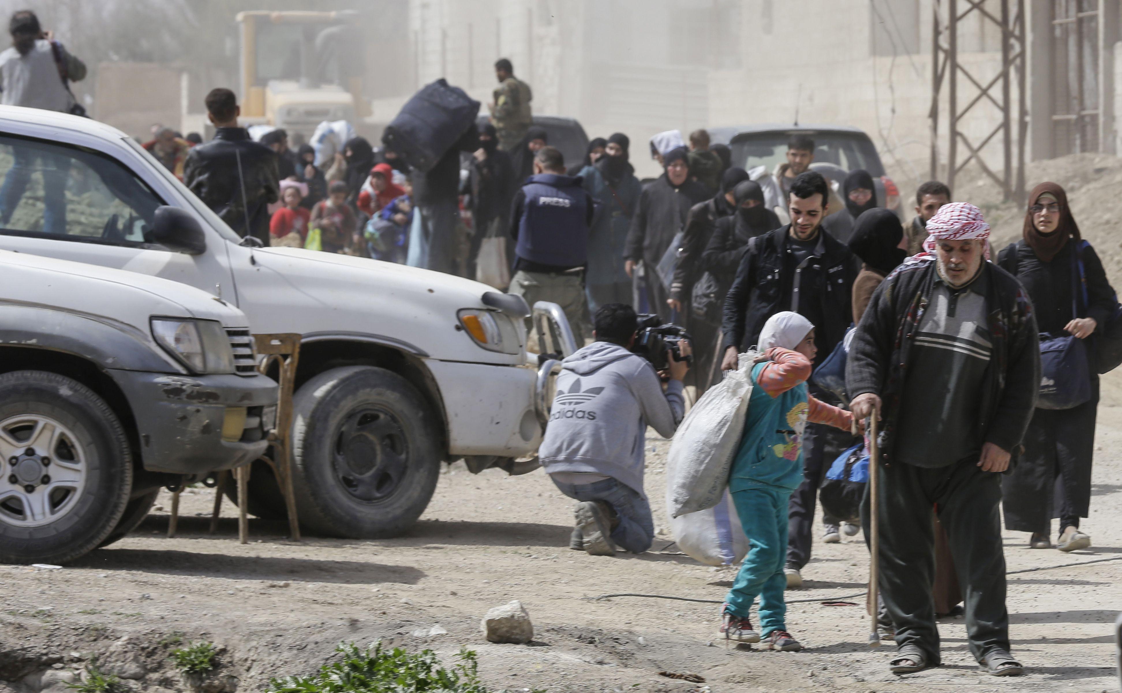 صورة خروج الدفعة السادسة من مهجري الغوطة الشرقية