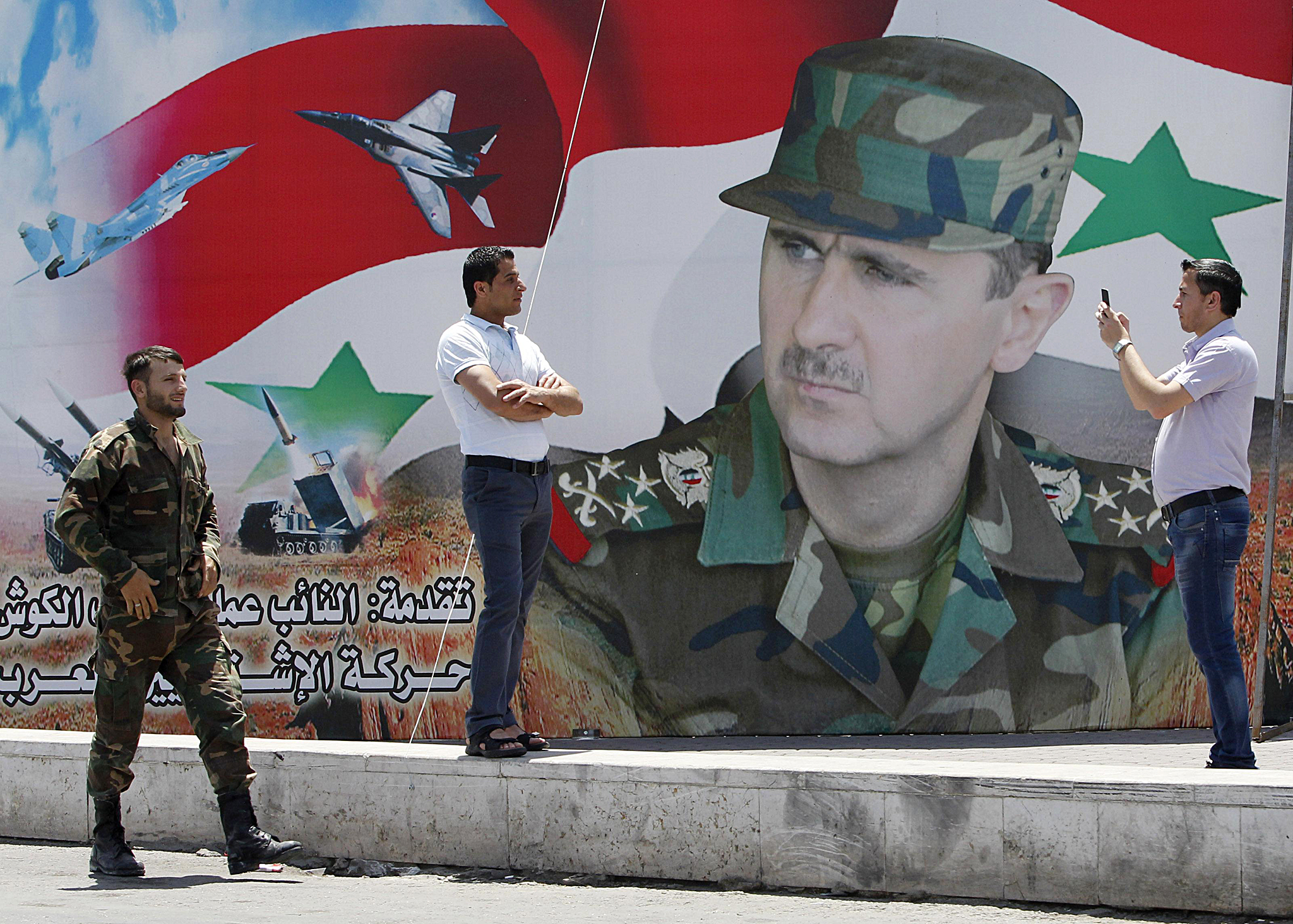 صورة نصر الله يدعي عقد لقاء بين الرياض ودمشق