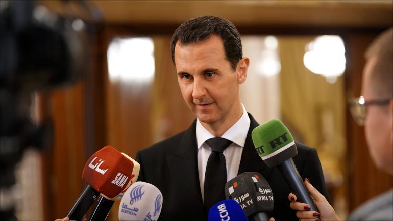 صورة هل رفع ترمب الراية البيضاء أمام الأسد؟