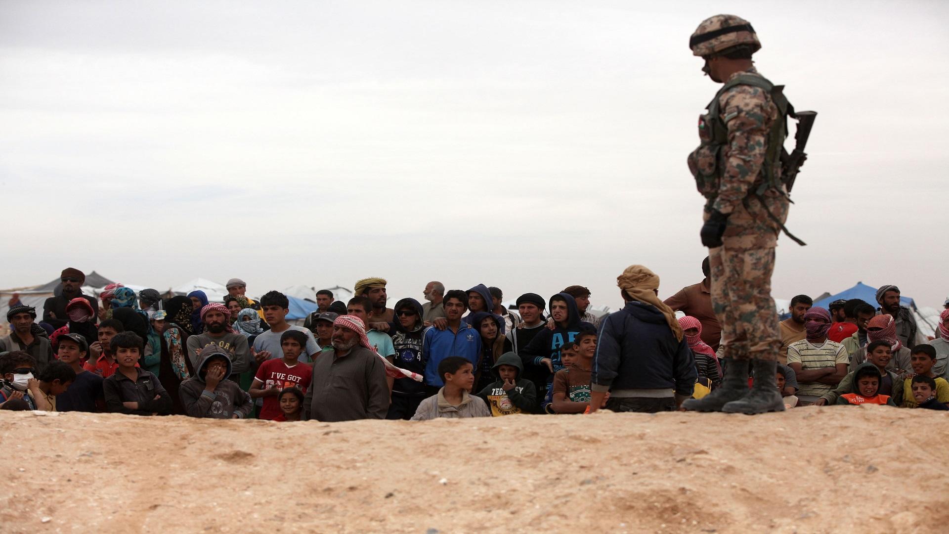 صورة سوريون بالأردن..وحيدون بانتظار الموت