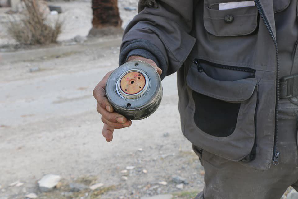 """صورة الأسد يستخدم الأسلحة المحرمة..وماتيس يحذره من """"الغاز السام"""""""