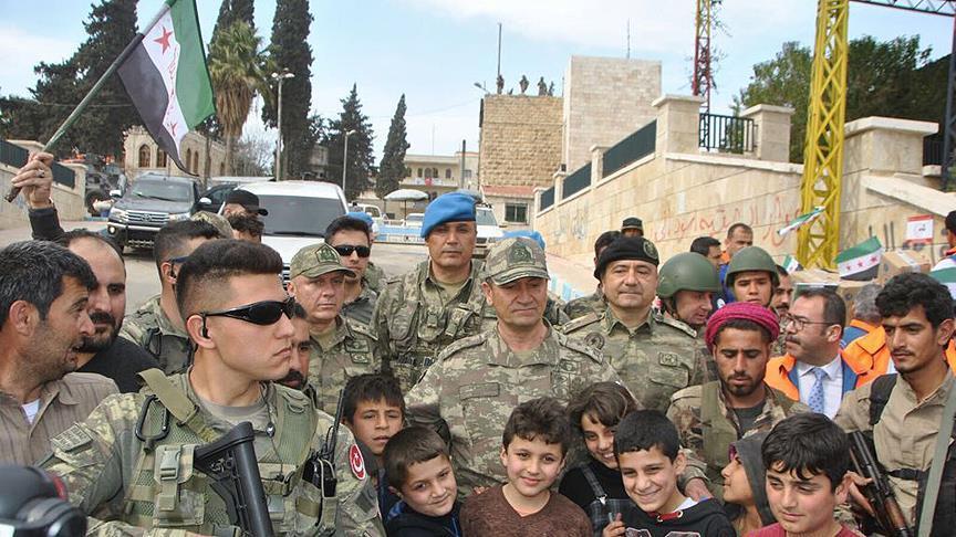 صورة قائد الجيش الثاني التركي يزور مدينة عفرين