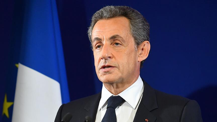"""صورة الشرطة الفرنسية توقف """"ساركوزي"""" بهذه التهمة"""