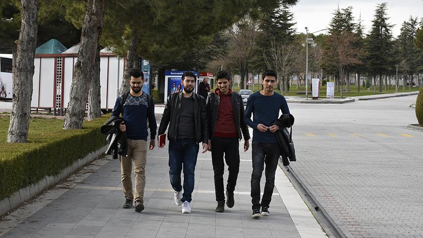 صورة دورة مجانية باللغة التركية لإعداد الطلبة السوريين في جامعات تركيا