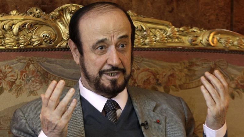 """صورة ملف """"رفعت الأسد"""" على طاولة 4 دول"""