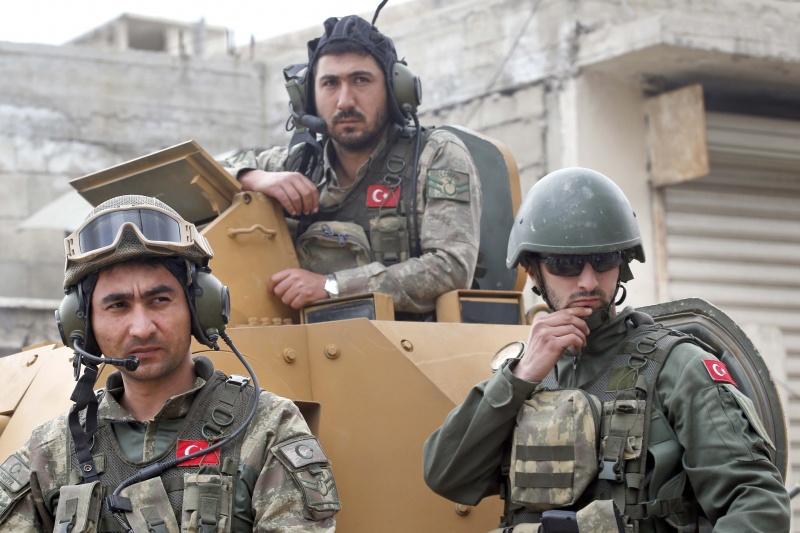 صورة الوحدات الكردية سلمت تل رفعت للنظام