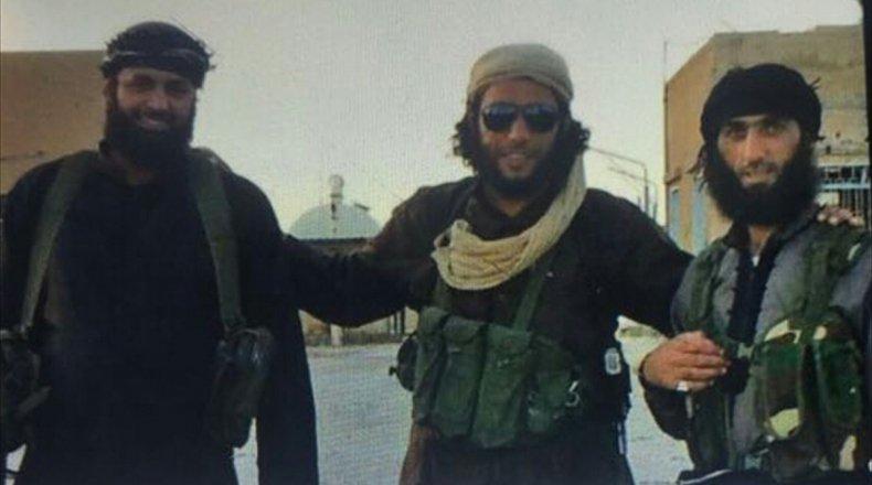 """صورة أمراء لـ """"داعش"""" بقبضة السلطات التركية"""