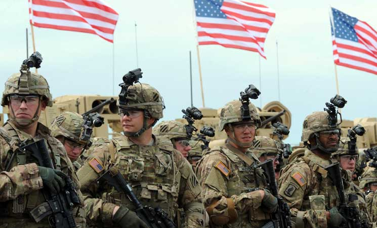 صورة الرقة..مسلحون يهاجمون قاعدة أمريكية
