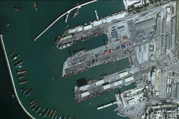 صورة سفن حربية روسية تغادر قاعدة طرطوس