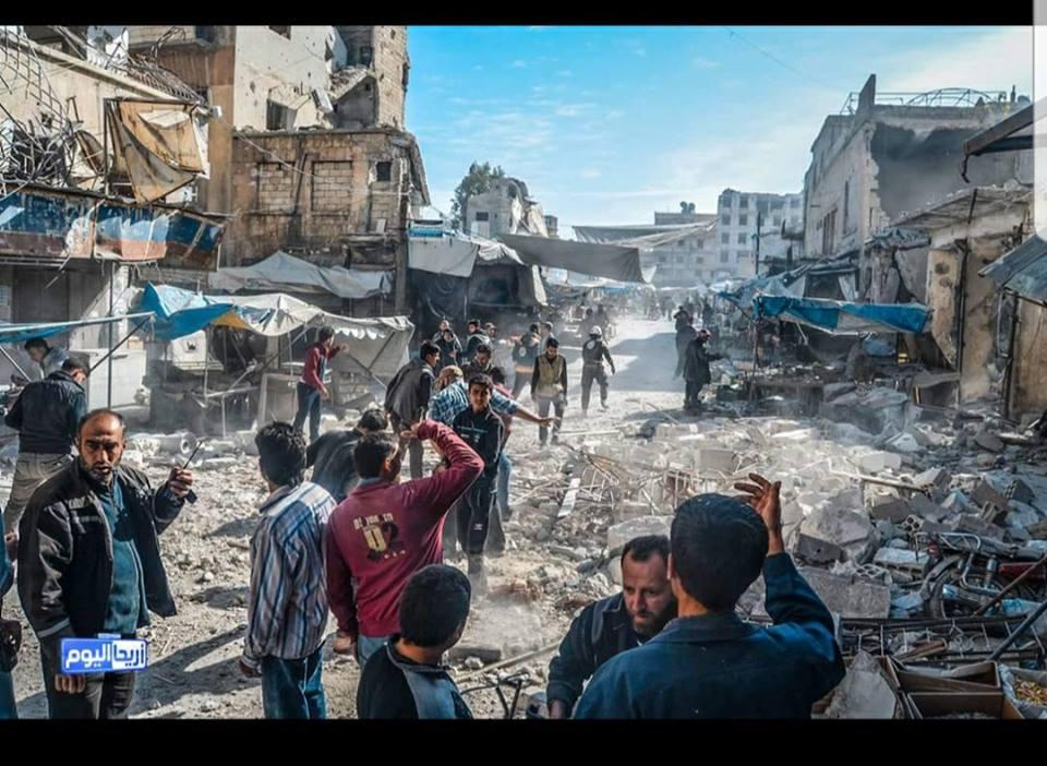 صورة مقاتلات روسية تهاجم سوقا شعبيا بإدلب