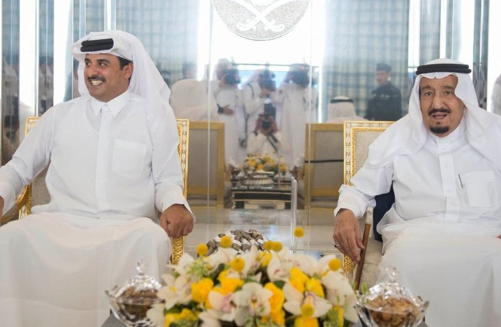 صورة مفاجأة..أمير قطر في السعودية قريبا