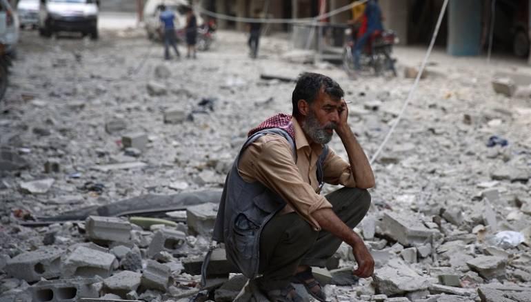 صورة بقايا المتفجرات تهدد حياة 8 ملايين سوري