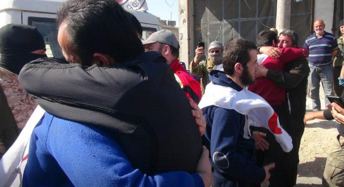 صورة تبادل للأسرى بين تحرير الشام وحزب الله