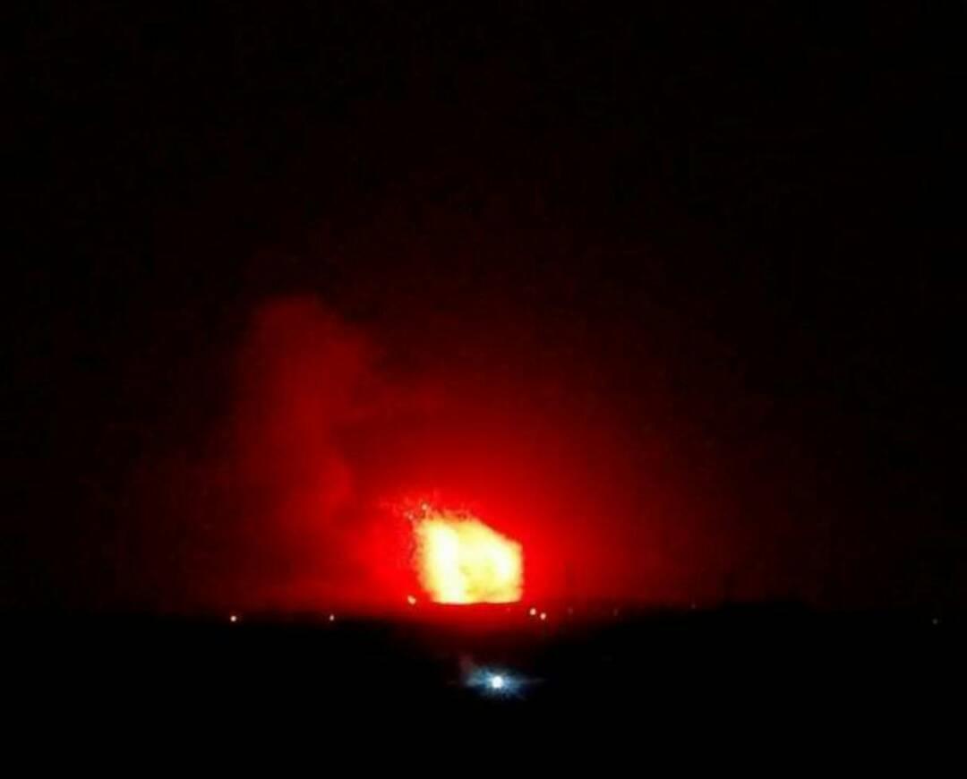 صورة انفجارات داخل مواقع للأسد بريفي حماة وحلب