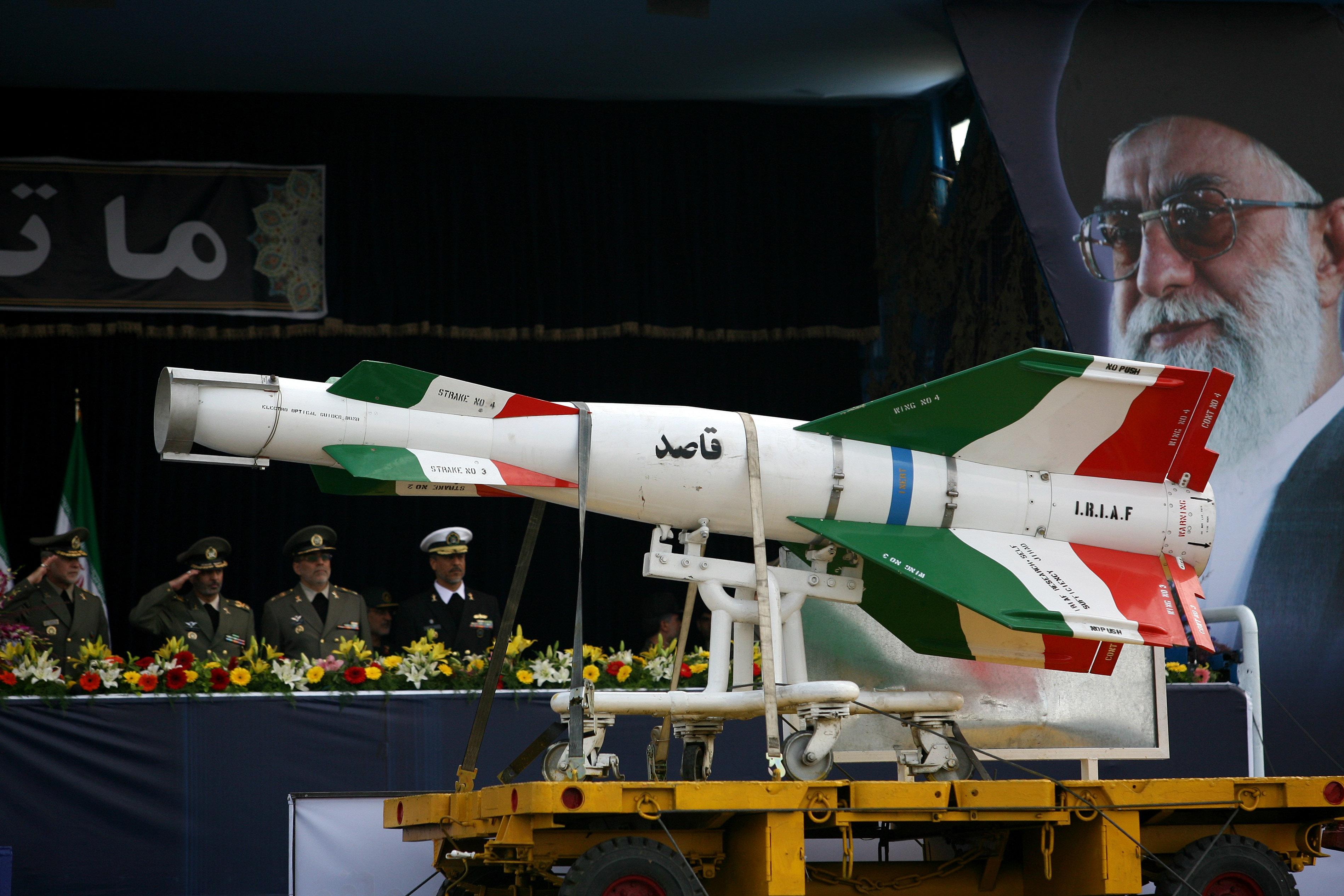 صورة إيران: أيادينا على الزناد وصواريخنا جاهزة