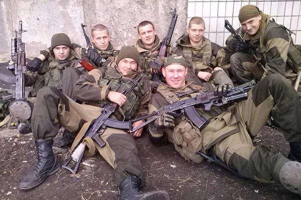 صورة ألفا شبيح روسي يساندون الأسد