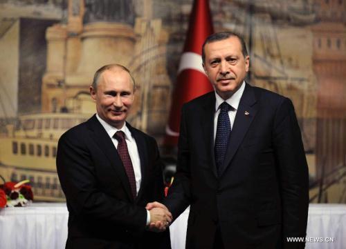 صورة باحث روسي: ماكرون يدق إسفينا بين روسيا وتركيا