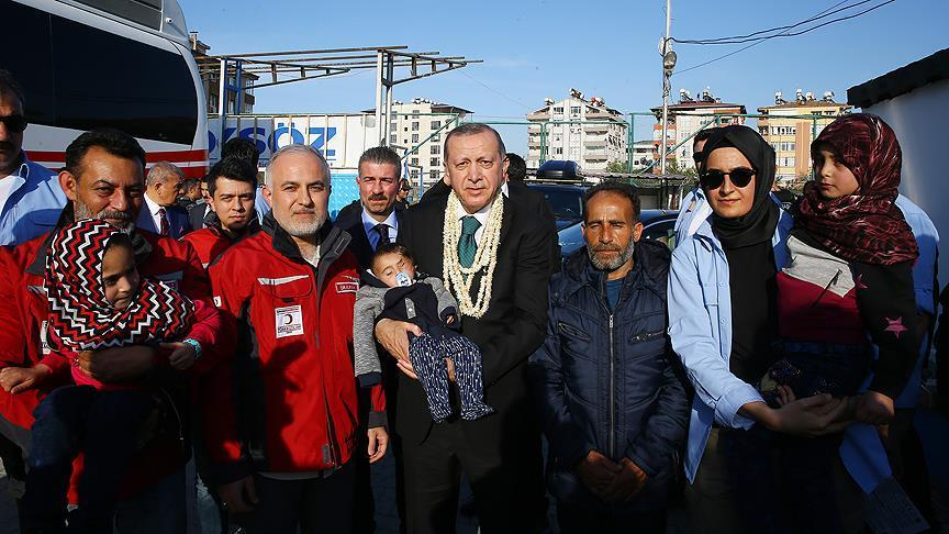 صورة الطفل كريم يصل تركيا مهجراً من الغوطة