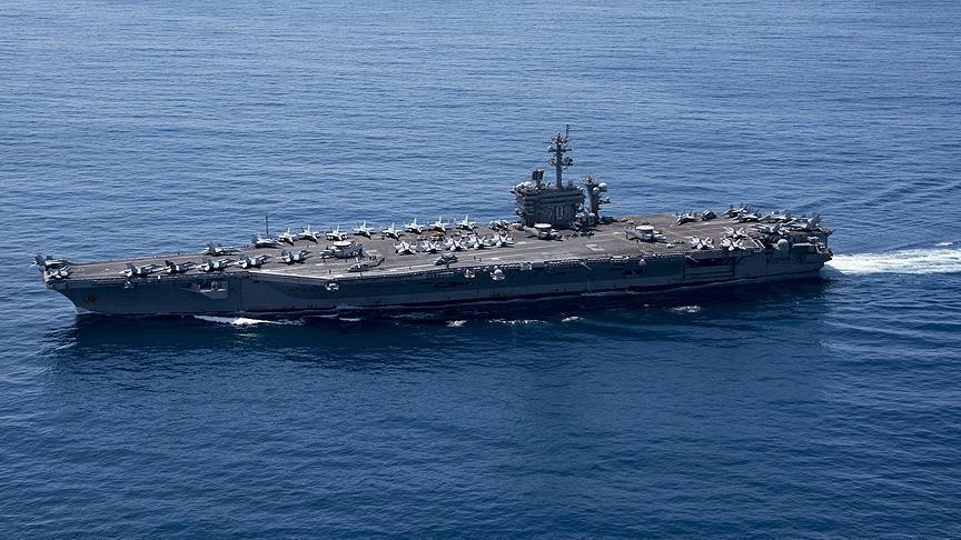 صورة حاملة طائرات و7سفن أمريكية إلى المتوسط