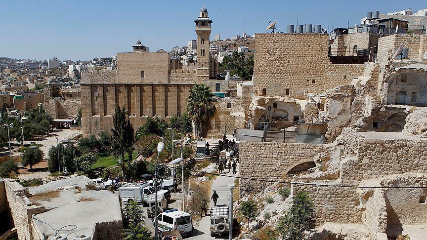 صورة إسرائيل منعت رفع الأذان 52 وقتا بالمسجد الإبراهيمي بآذار