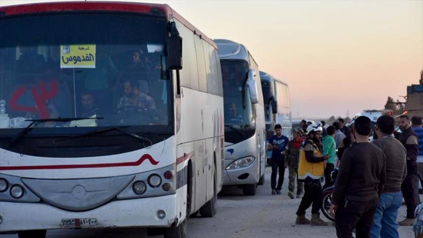 صورة القافلة الـ 15 من مهجري الغوطة تصل شمال سوريا