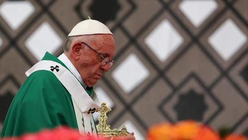 صورة البابا يطالب بوضع حد فوري للإبادة الجارية بسوريا