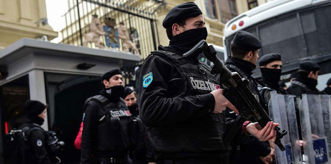 """صورة حملة أمنية تركية في """"أضنة"""" تستهدف السوريين"""