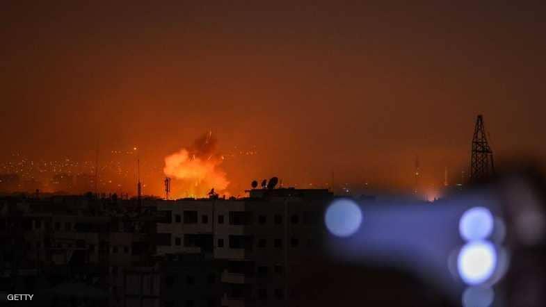 صورة انفجارات تضرب قاعدة إيرانية جنوبي دمشق
