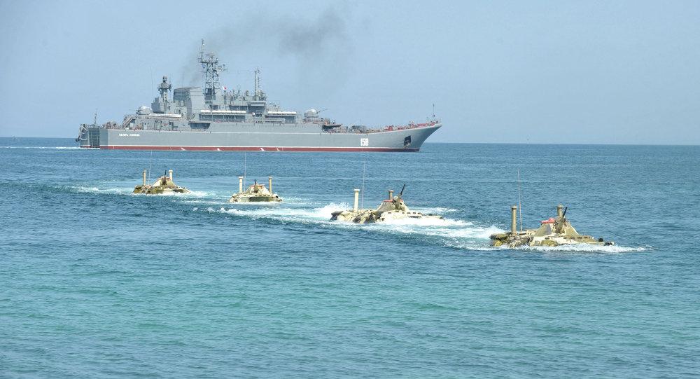 """صورة سفن روسية مسلحة بـ""""كاليبر"""" بالمتوسط..ما عملها؟"""