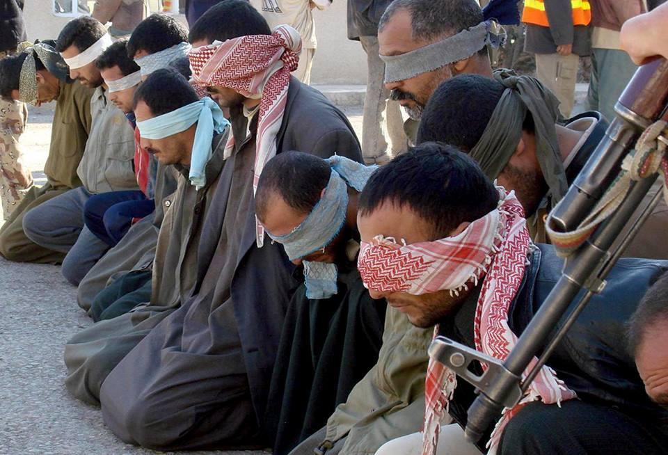 صورة دير الزور..تنظيم الدولة يعدم مدني ويعتقل 10